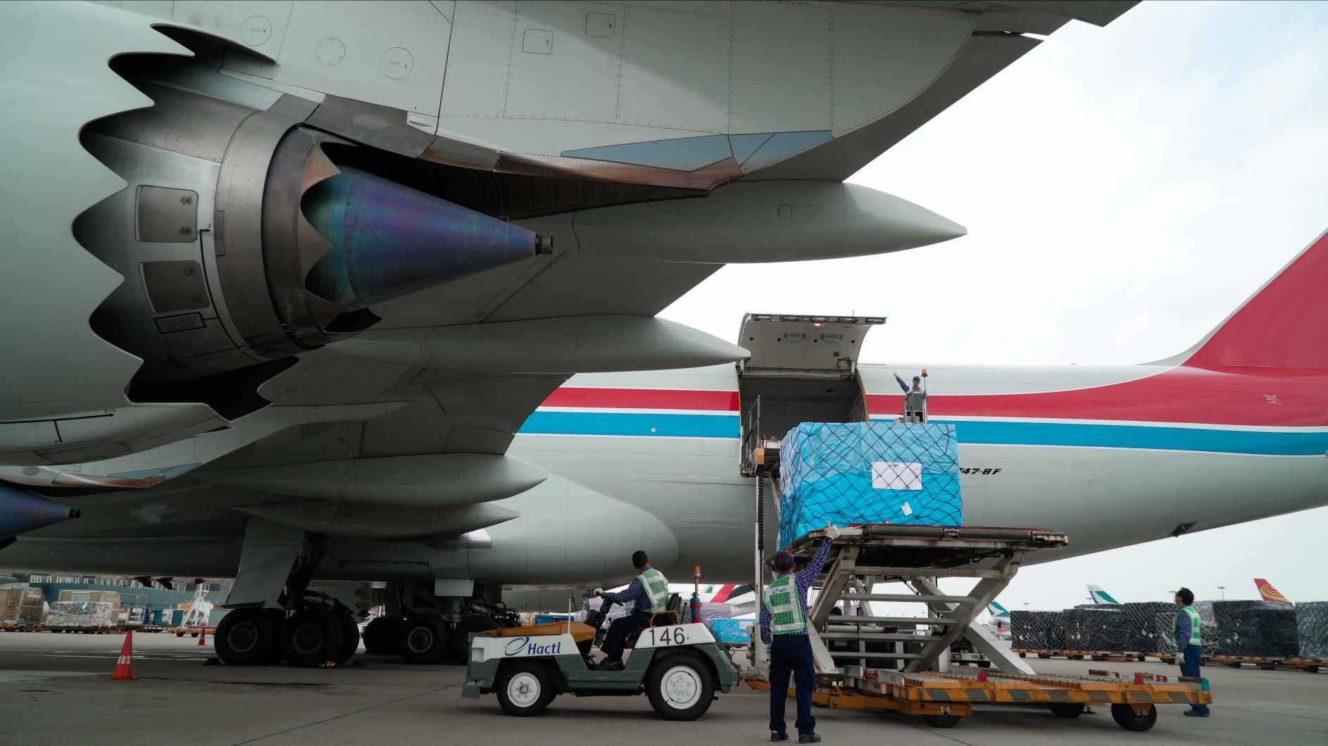Hactl handles 104 freighters in a single day